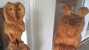 The-Lodge-Carvings